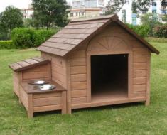 Добротная собачья будка